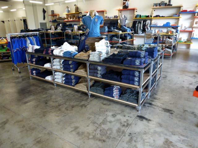 scaffalature alimentari e per arredo negozi - superinox - Arredamento Negozio Abbigliamento Scaffalatura In Acciaio